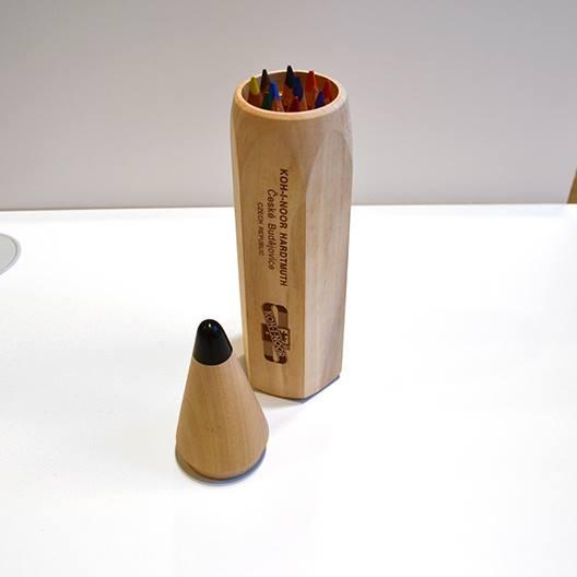 コヒノール ウッドペンケース入太軸色鉛筆